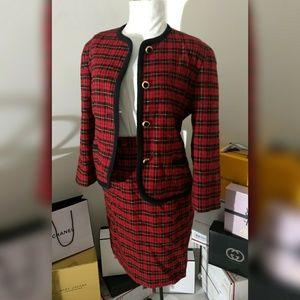 Elegant plaid skirt suit